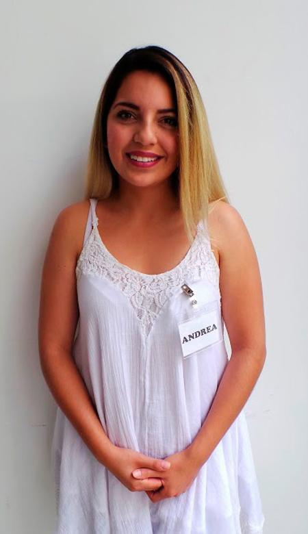 Locutora Mexicana Andrea Y